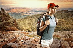 хайвей hitchhiking женщина Стоковые Фото