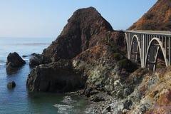 хайвей pacific свободного полета моста Стоковое фото RF