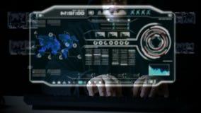 Хакер используя клавиатуру с кодом пользовательского интерфейса HUD для кибер атаки кибер уголовной и футуристической концепцией