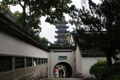 Характеристики сада Сучжоу, круглые квадратные окна стоковое изображение rf