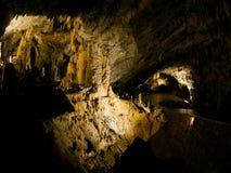 Характеристики karst пещеры стоковые фотографии rf