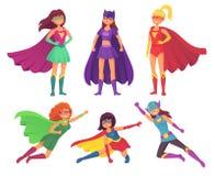 Характеры женщин супергероев Интересуйте женским характером героя в костюме супергероя с развевая плащем Супер шарж девушек иллюстрация вектора