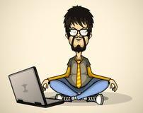 Потребитель в серых рубашке и стеклах с компьтер-книжкой Стоковые Фото