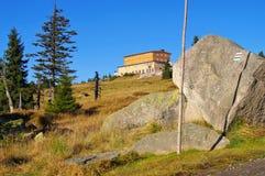 Хата горы bouda Petrova в гигантских горах Стоковые Изображения
