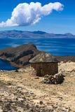Хата на Isla del Sol в озере Titicaca, Боливии Стоковая Фотография RF