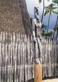 Хата, статуя и загородка расположенные в пределах королевских земель или Haonau Стоковая Фотография