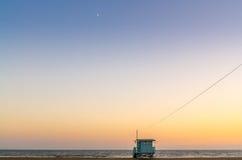 Хата Baywatch на пляже Стоковые Изображения RF