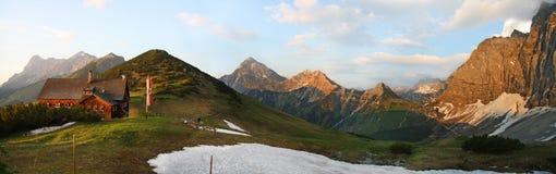 Хата Tirolermountain Стоковое Изображение