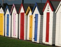 хаты пляжа цветастые Стоковое Изображение