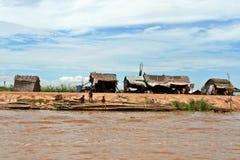 Хаты - сок Tonle - Камбоджа Стоковое Изображение RF
