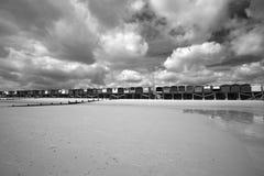 хаты frinton essex Англии пляжа Стоковая Фотография RF