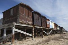 хаты frinton essex Англии пляжа Стоковая Фотография