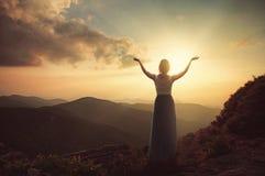 Хваление na górze горы Стоковое фото RF