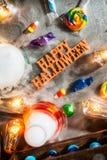 Хеллоуин: Лаборатория сумашедшего ученого на праздник с конфетой Стоковая Фотография RF