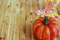 Хеллоуин, фокус или обслуживание с конфетой Стоковые Фото