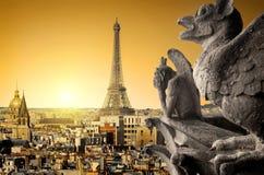 Химеры и Эйфелева башня Стоковое Изображение RF