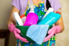 Химикаты домочадца Середины для убирать дом стоковые изображения rf