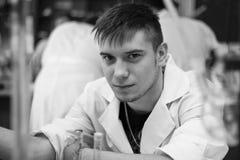 Химик в черно-белом цвете Стоковая Фотография RF