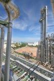 Химическая башня рафинадного завода Стоковые Изображения RF