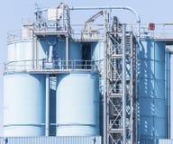 Химический завод, контейнеры Стоковое Фото