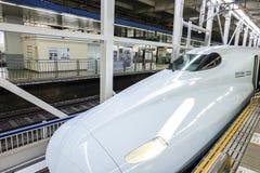 ХИРОСИМА, ЯПОНИЯ - 13-ОЕ НОЯБРЯ: Shinkansen в Хиросиме, Японии o Стоковые Фотографии RF