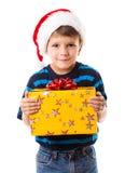 Хитро мальчик с подарочной коробкой стоковое изображение rf