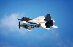 Хищник с P-51 Стоковая Фотография RF