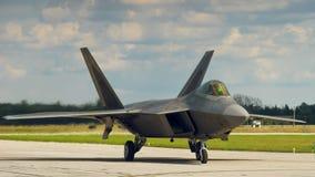 Хищник F-22 на том основании Стоковые Фото