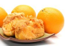 Хлебец и апельсин зубочистки мяса свинины стоковая фотография