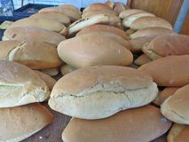 Хлебцы хлеба в магазине хлебопекарни Полуостров Athos Греция Стоковое Изображение RF
