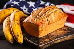 хлеб банана домодельный стоковая фотография rf