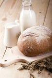 хлеб выпечки стоковое изображение rf