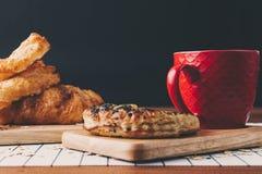 Хлеб и кофе шоколада стоковые изображения rf