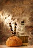 Хлеб и оливки Стоковое Фото