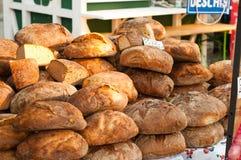 Хлеб на напольном рынке Стоковое Изображение