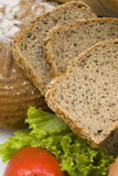 хлеб отрезает wholemeal стоковое фото rf