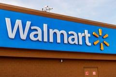 Хобарт - около май 2018: Положение розницы Walmart Walmart американская Транснациональная компания Розница Корпорация IV стоковое фото rf