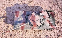 Хобби - собрание уменьшенных экземпляров реальных боевых танков Такие модели очень популярны и много вентиляторов собирают множес стоковая фотография