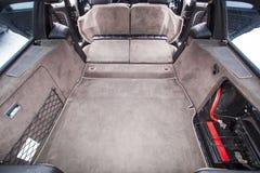 Хобот старого ретро автомобиля с утилями Стоковые Изображения RF