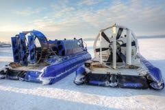 Ховеркрафт на льде реки Стоковые Изображения
