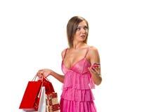 ходя по магазинам удивленные детеныши женщины Стоковое Изображение RF