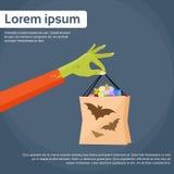 Хозяйственная сумка владением руки зомби зеленая с обслуживанием Стоковое Изображение