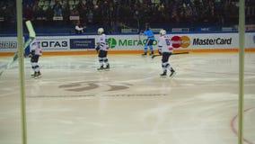 Хоккеисты в подогреве сток-видео