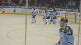 Хоккеисты в подогреве видеоматериал
