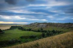 Холмы области Волги перед заходом солнца Россия, Shilovka Стоковая Фотография RF