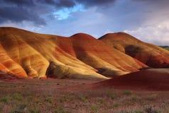холмы покрасили заход солнца Стоковые Фотографии RF