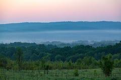 Холм долины перед штормом Стоковое Фото