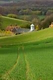 холм часов зеленый к следам Стоковые Изображения