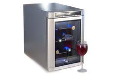 Холодильник вина и стекло красного вина. Стоковое Изображение RF