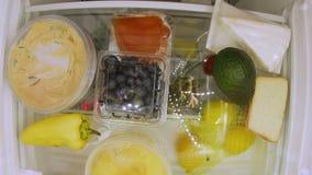 Холодильник отверстия для еды видеоматериал
